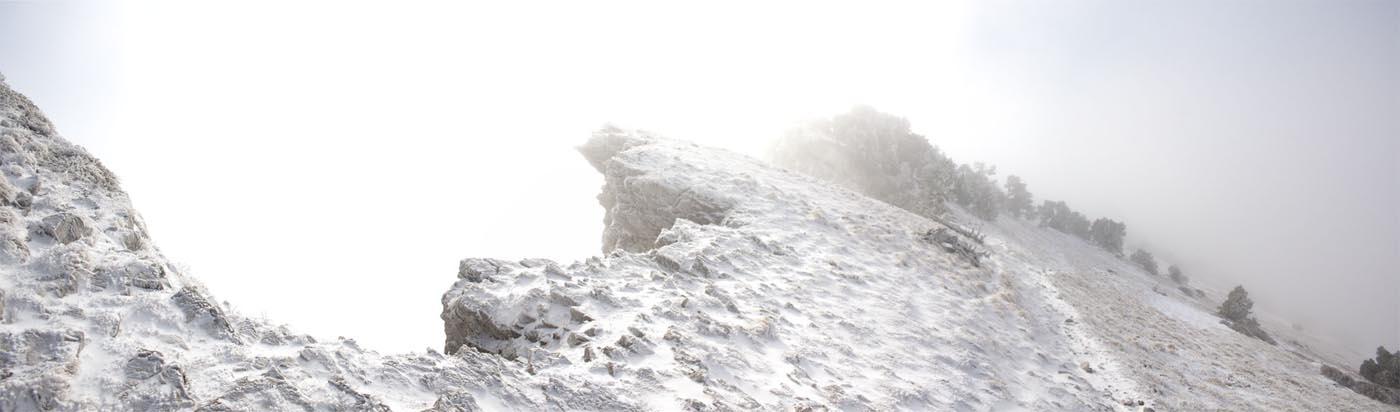 Crète du sommet de Chamechaude givrées en haut de Chamechaude