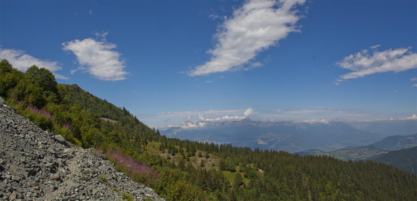 Ascension au lac de Crop et Panorama depuis la randonnée du lac de Crop